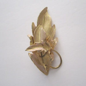 Jewelry - Brooch Gold Leaf Breast Pin Gift Box